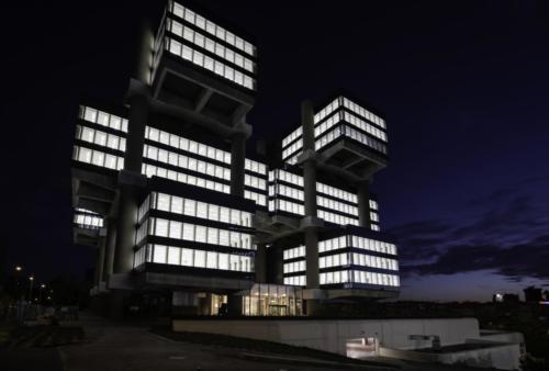 edificio-de-los-cubos-m30